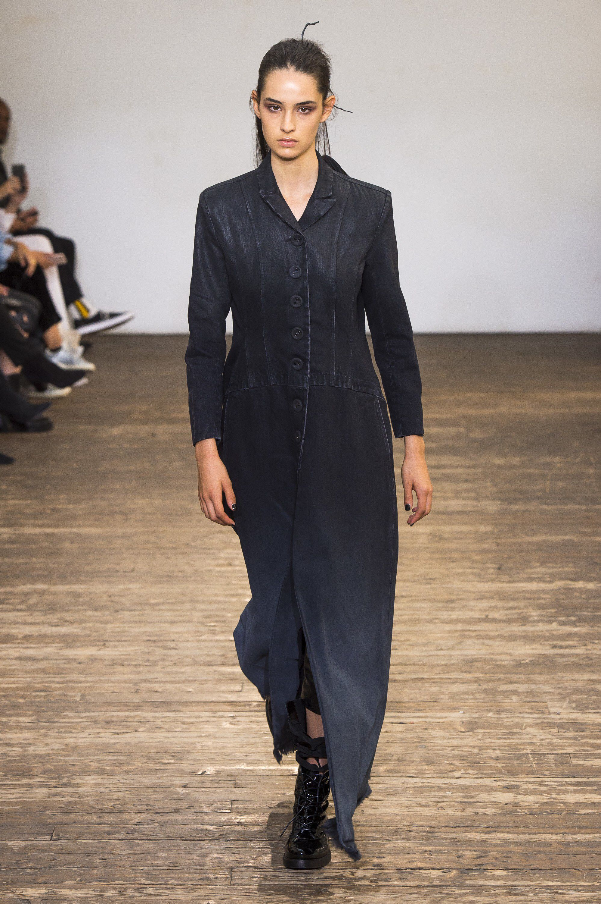 Olivier Theyskens Spring 2019 Ready-to-Wear Fashion Show Collection  See  the complete b9cbd846b46