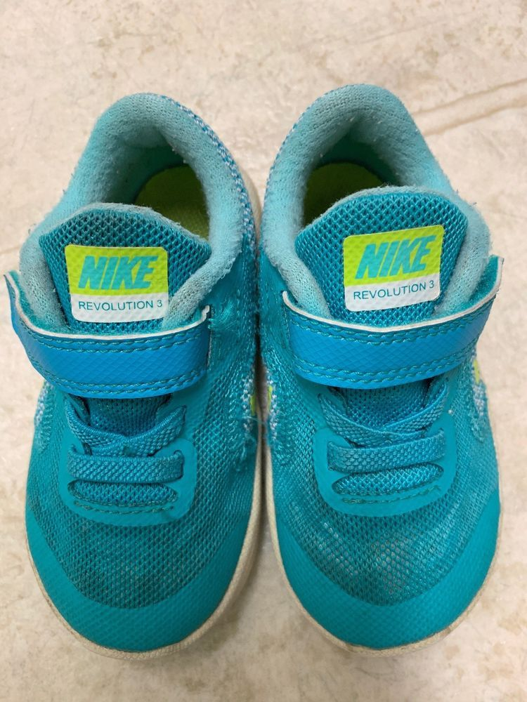 buy popular bcfae 763a2 Nike Size 6C Toddler Unisex Sneakers Shoes Turquoise Green Revolution 3  Used  fashion  clothing