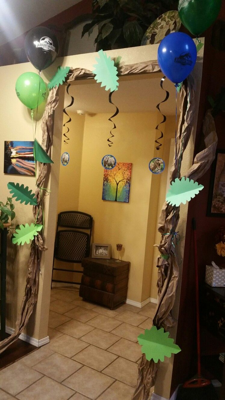Dino party. Jurassic world party decorations. Craft paper, green