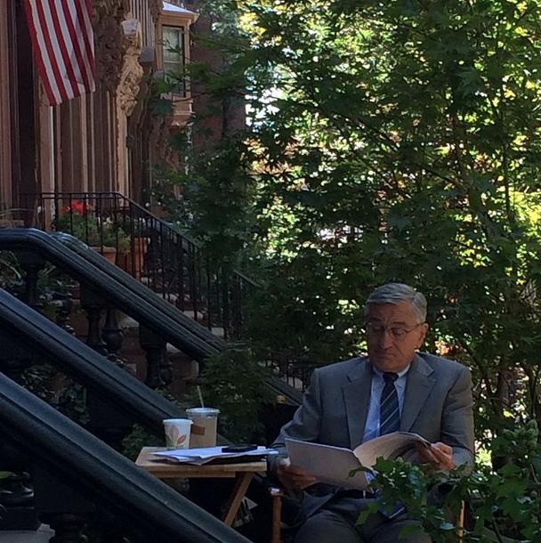 "Anne Hathaway Robert De Niro Movie: ""Hanging Out In Brooklyn."" - Nm"