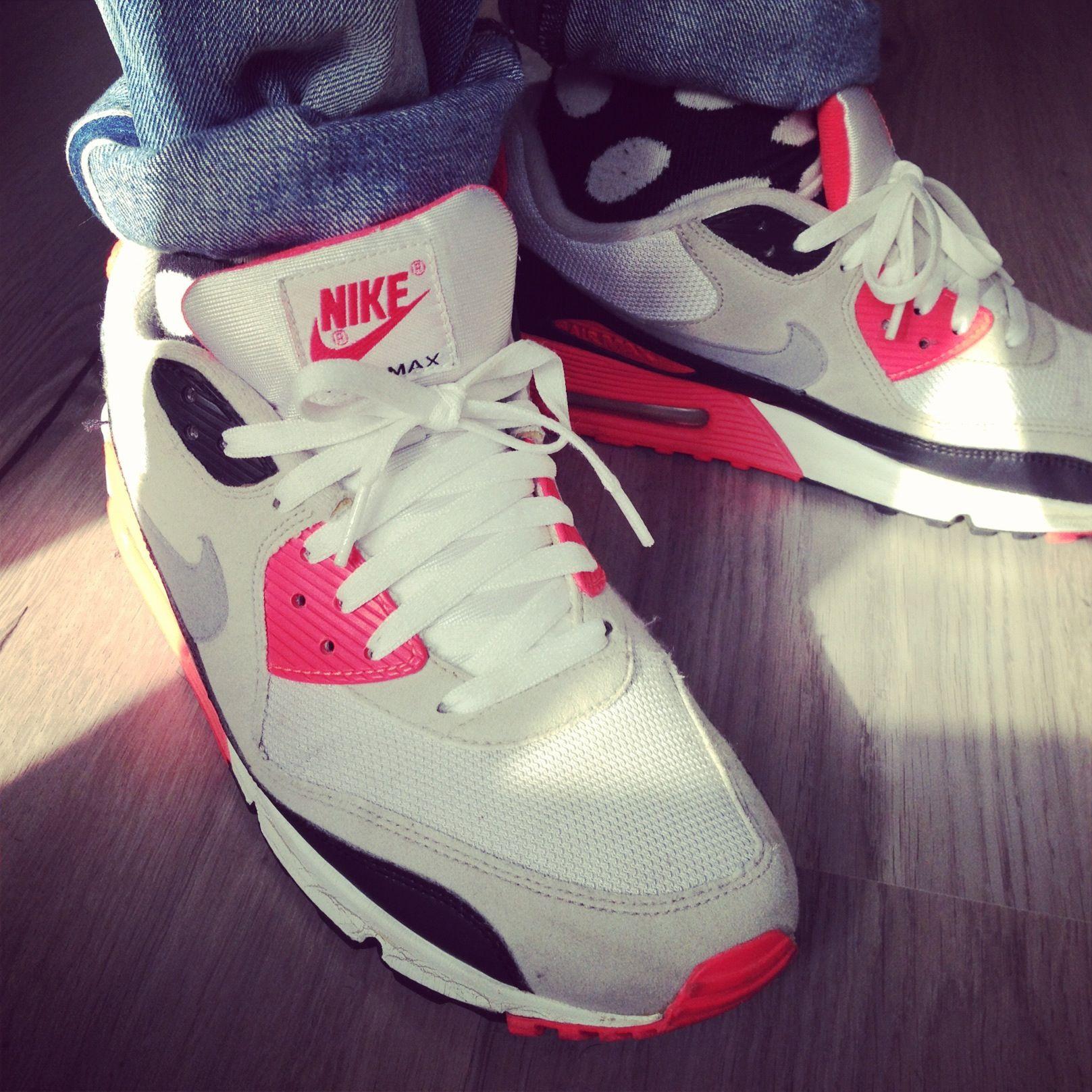 """Todays Kicks Nike Air Max 90 """"Infrared"""""""