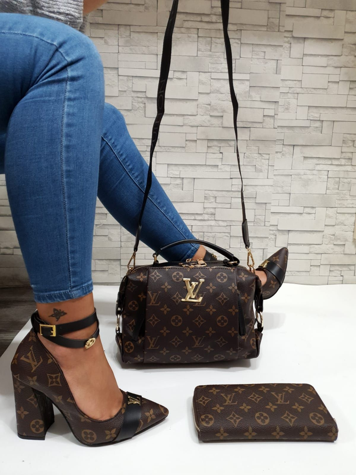 Lv new brown set