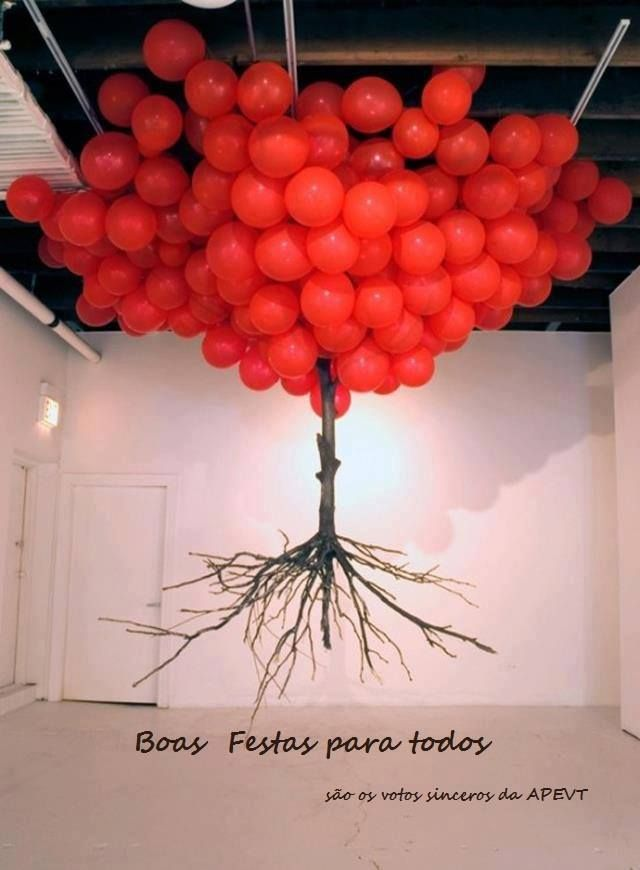 red tree balloons.