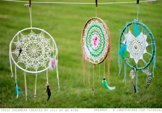 lune vintage : Lune's Doily Dreamcatcher - How To