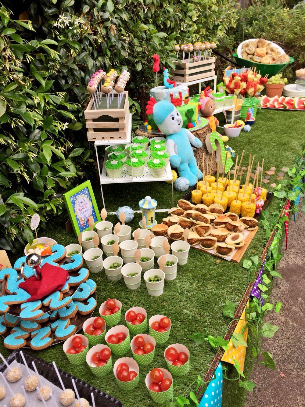 Garden Party Birthday, Garden