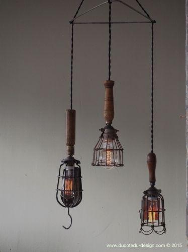 lustre de 3 baladeuse industrielle des usa equipant les caves de new york lampe industrielle. Black Bedroom Furniture Sets. Home Design Ideas