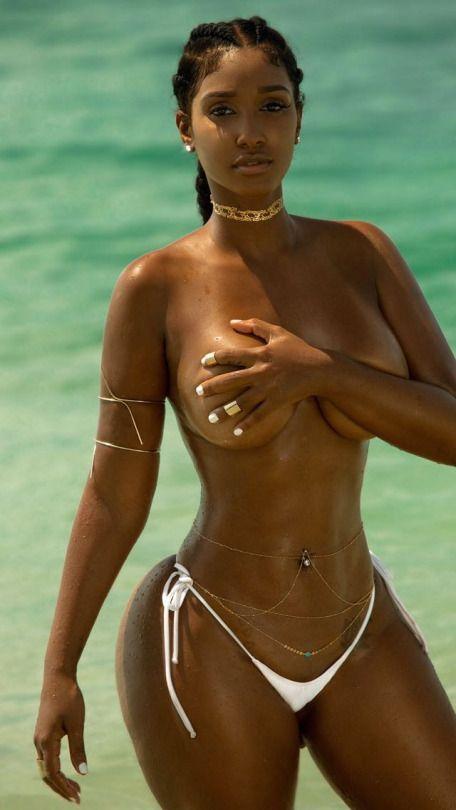 Juliet huddy breast size