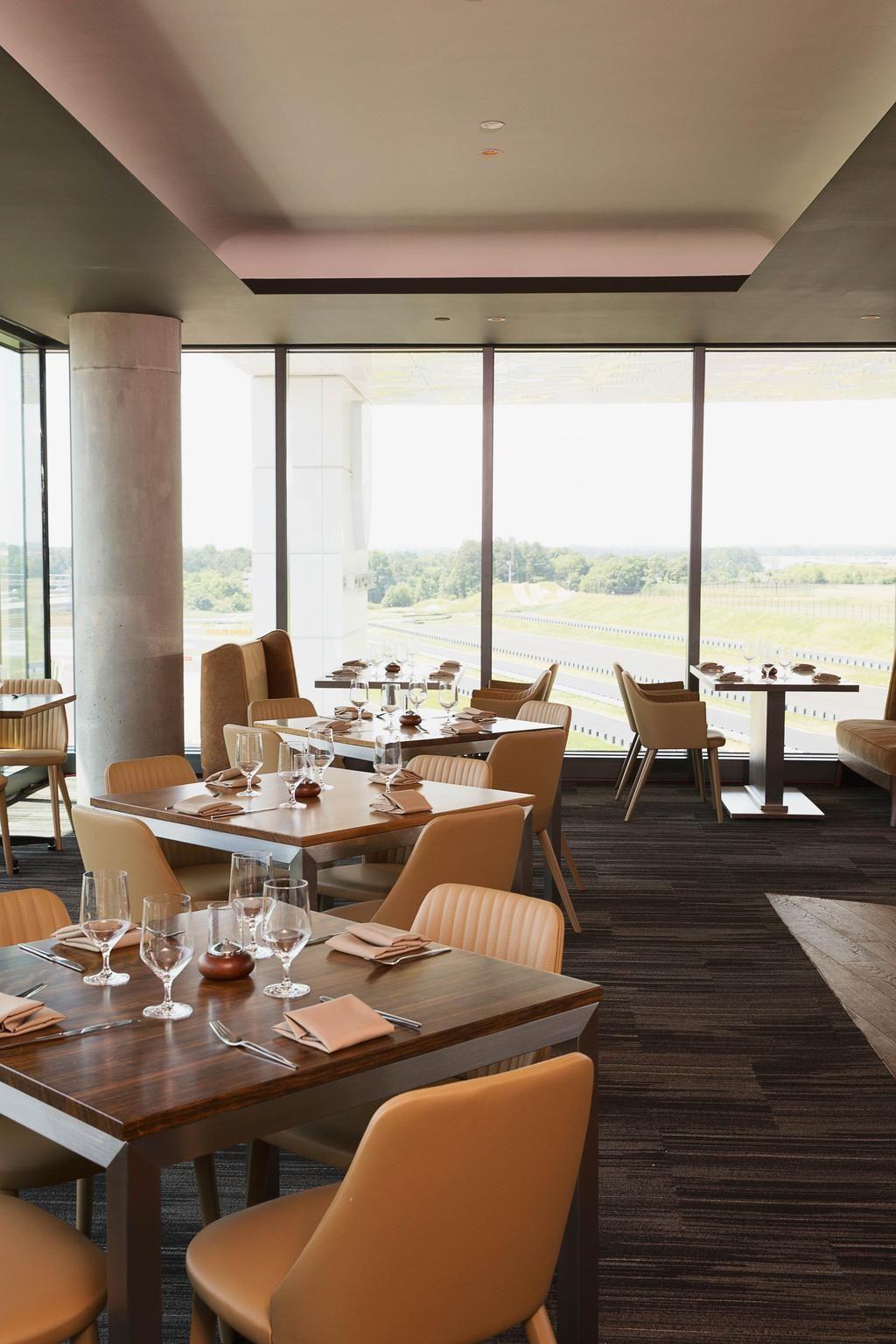 Porsche opens restaurant at its Atlanta Experience Center (SLIDESHOW) - Atlanta Business Chronicle