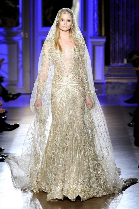 Gold wedding dress & floor length veil | Rings and Dresses | If I ...