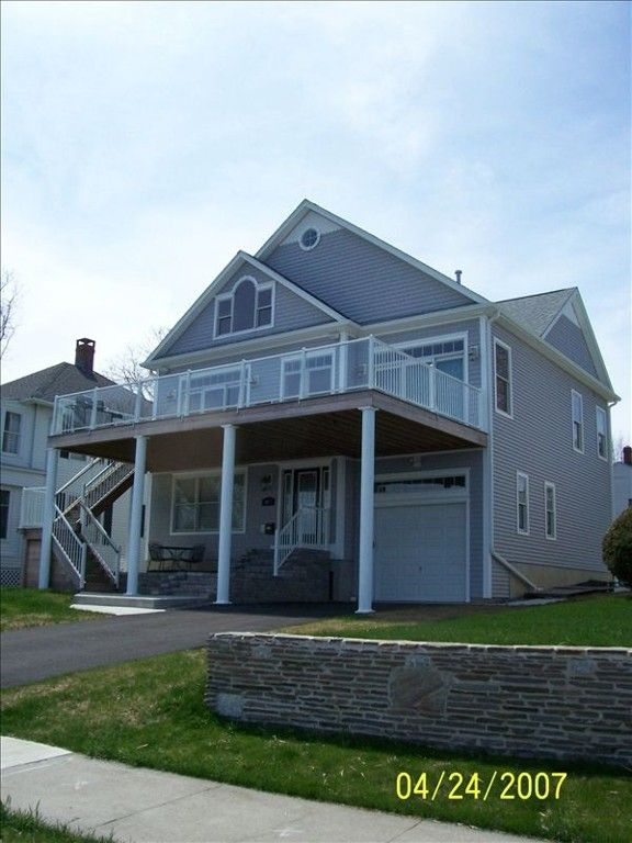 Beautiful New Beach Home Overlooking Homeaway New London London House House Rental House Front