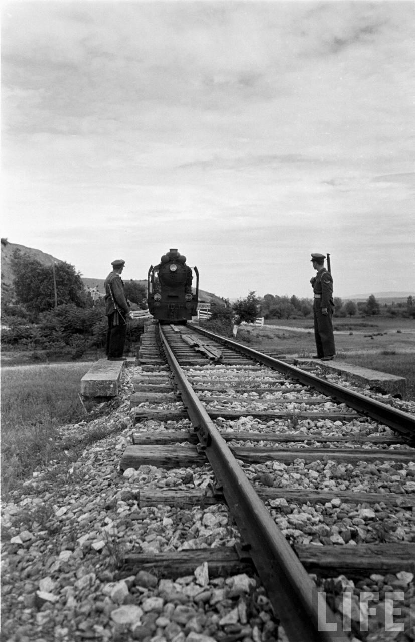 Skype will feel Railroad tracks, Image, Railroad