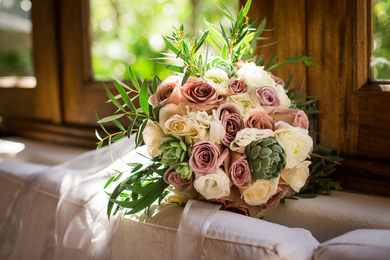 Peach natural flowers / Pink bridal bouquet Bodas únicas
