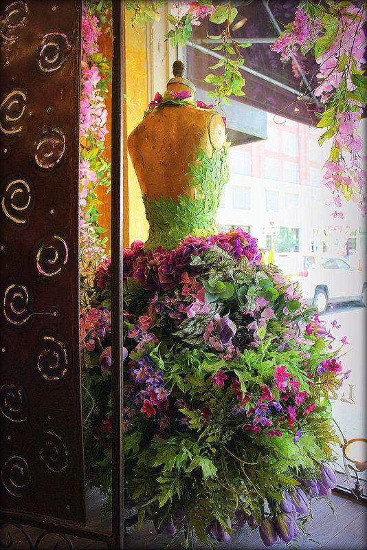 Window display at La De Da