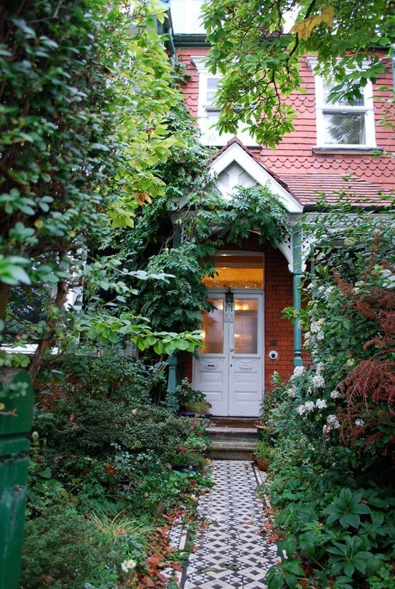 Pin by hannah elwood on front of house   Victorian front ...