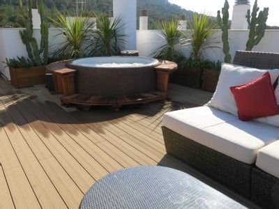 Roof terrace in singapore with jacuzzi google search for Terrace jacuzzi