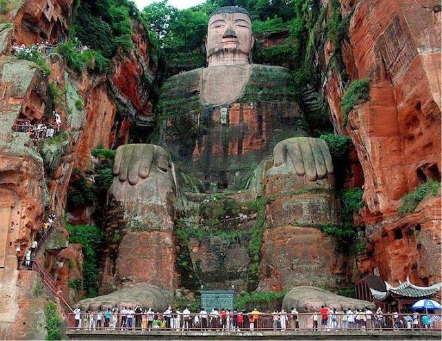 O Grande Buda de Leshan - O maior buda do mundo   Pastilhas Coloridas