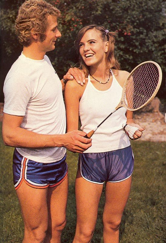 An Unsightly Mess Men S Shorts In The 1970s Flashbak Flashbak Retro Sportswear Badminton Outfits Mens Shorts