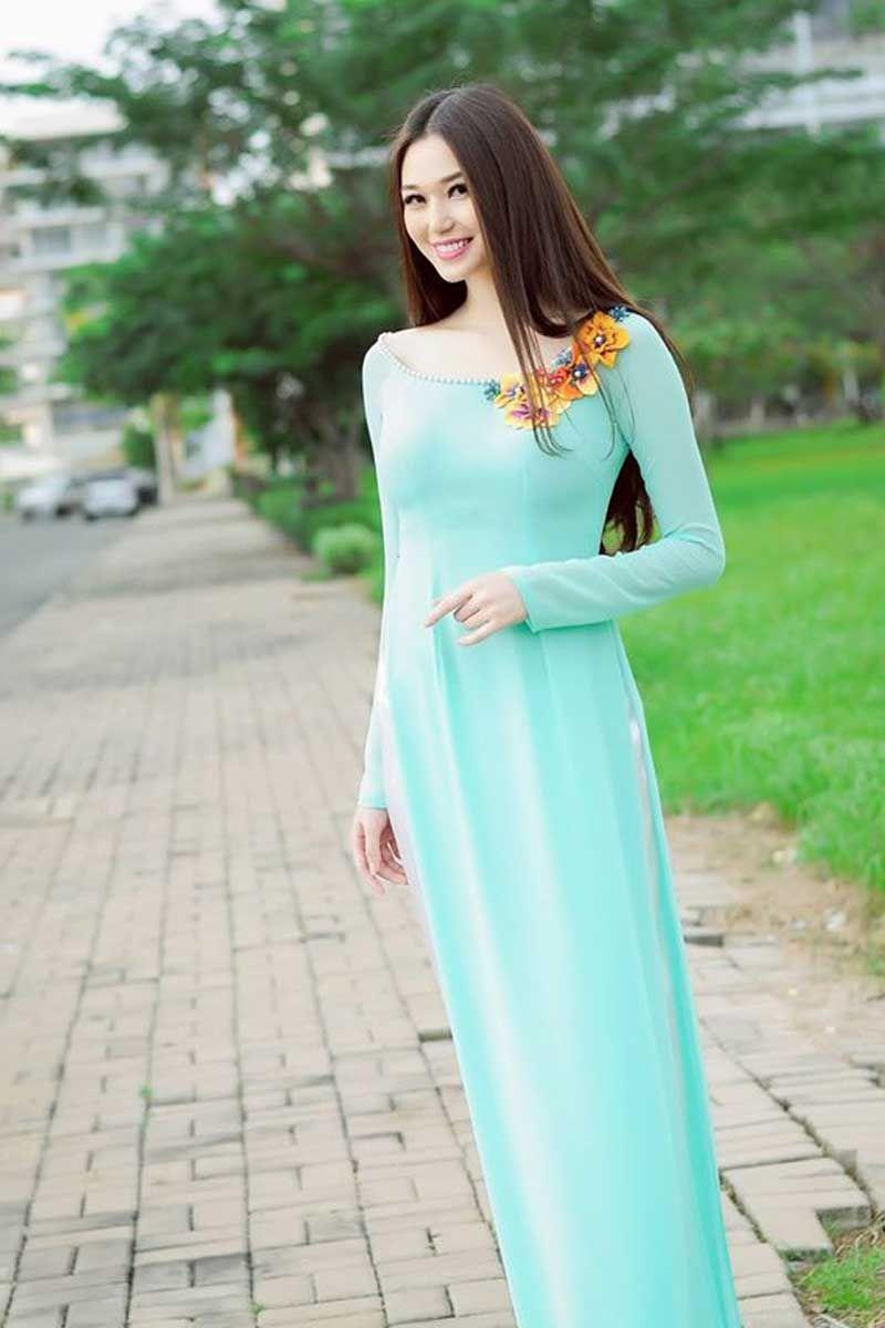 Indo westren Sea Green Dress Online http://www.andaazfashion.co.uk ...