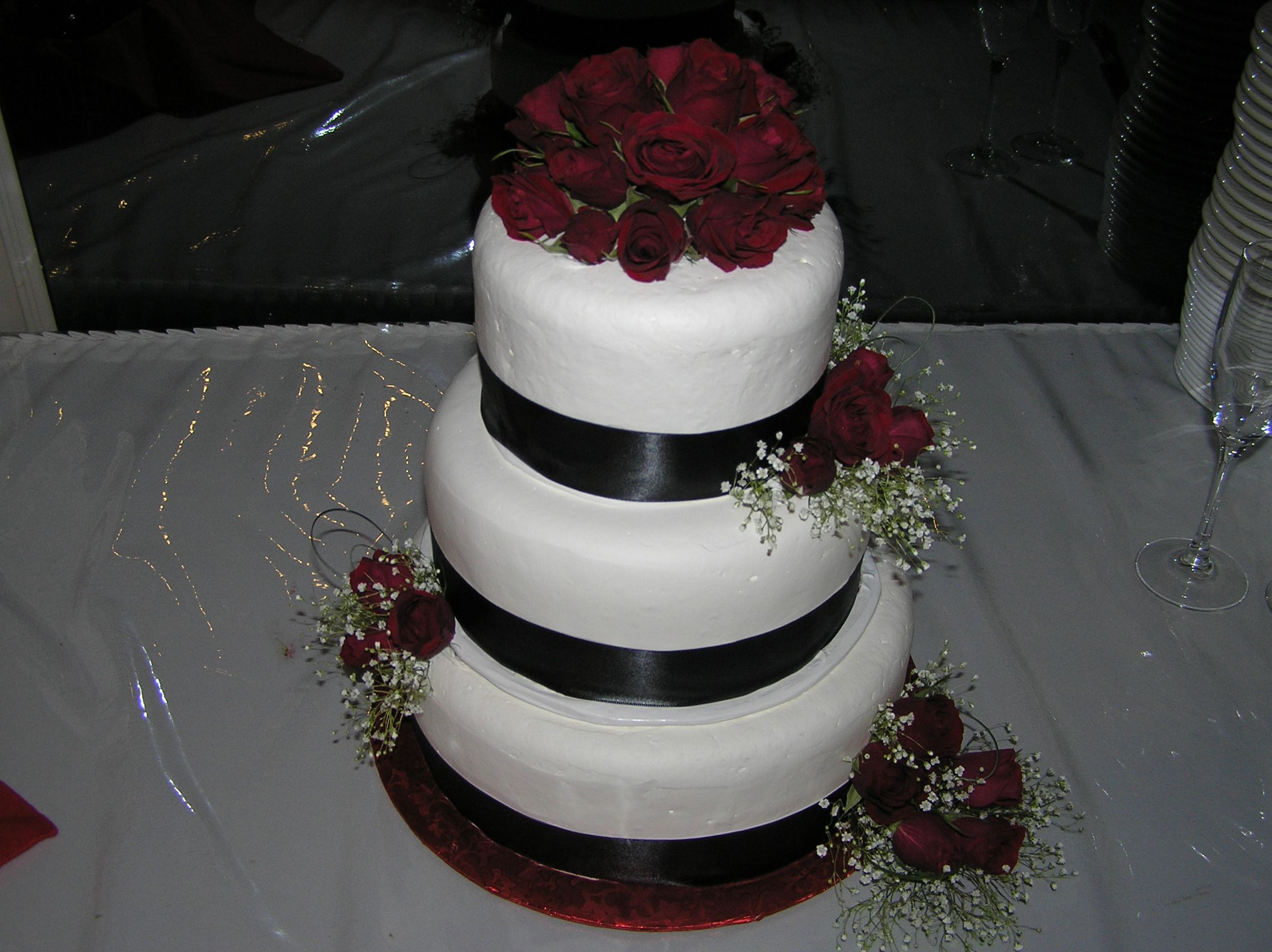 Burgundy And Cream Wedding Cakes Rose Cake On The Move