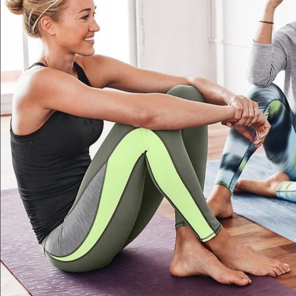 athleta leggings Perfect condition leggings !! feel free to ask any questions! Fits size xxs-s lululemon athletica Pants Leggings