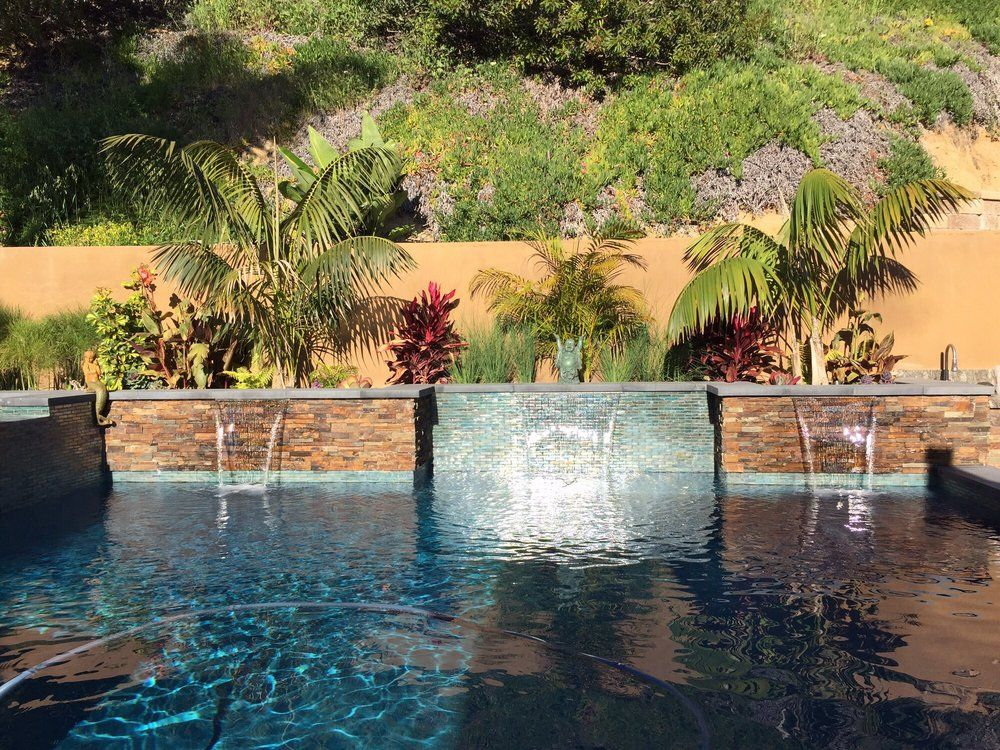 Outdoor Design And Remodeling Contractors Providing