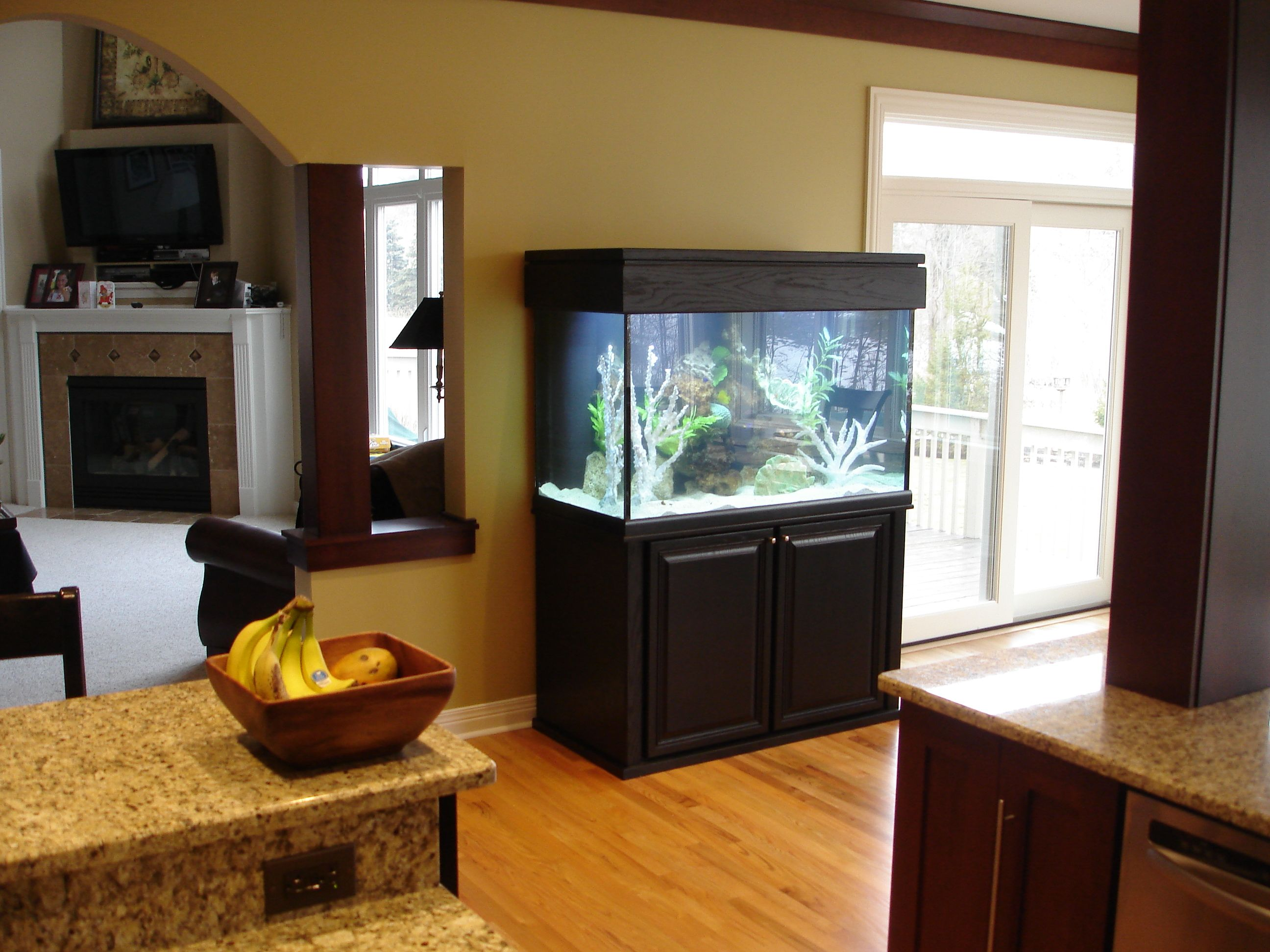 Simple Aquarium Stands Ideas ~ http://www.lookmyhomes.com/choosing