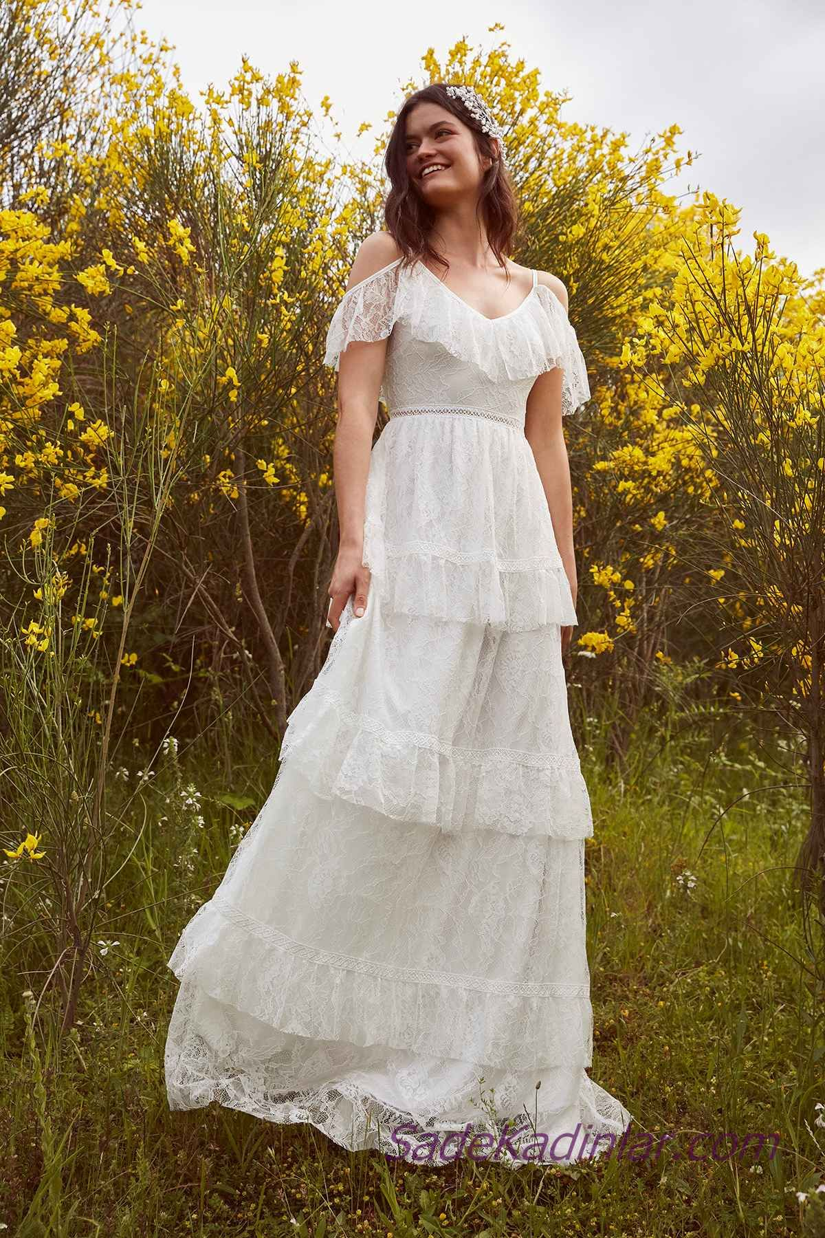 En Guzel 2020 Beyaz Elbise Modelleri Uzun Askili Dusuk Kol Firfir Detayli Katmanli Etek Elbise Modelleri Elbise Beyaz Dugun Elbiseleri