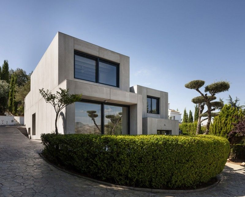 C&C #House is a private residence designed by Arias Recalde Taller de arquitectura.