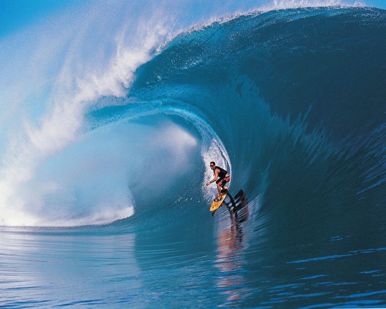 Surfing Big Waves Wallpaper Big Wave Wallpaper Hd Surfing