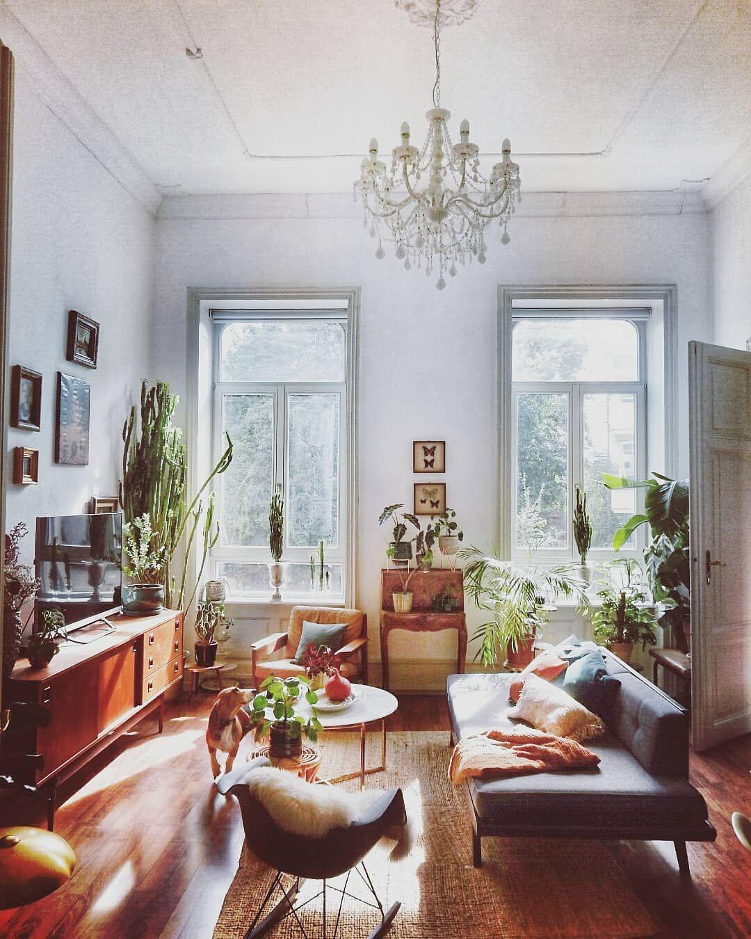 """Photo of SoLebIch.de su Instagram: """"So schön gemütlich hat es @story_about_my_home in ihrem Wohnzimmer ? #SoLebIch #repost #wohnzimmer #altbauliebe"""""""