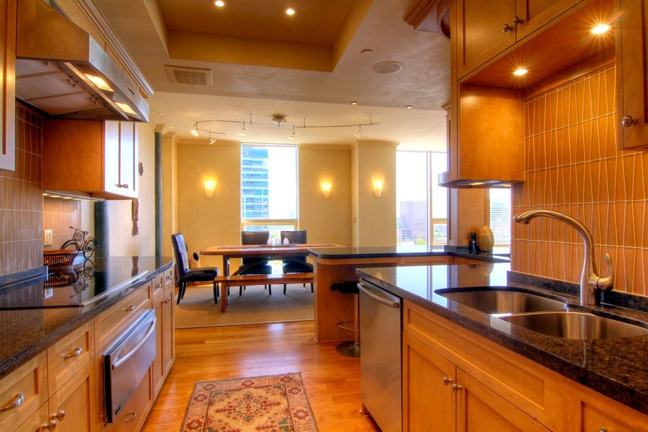 Complete Renovation Of A Three Bedroom High Rise Condo In Houston. Gourmet  Kitchen With High