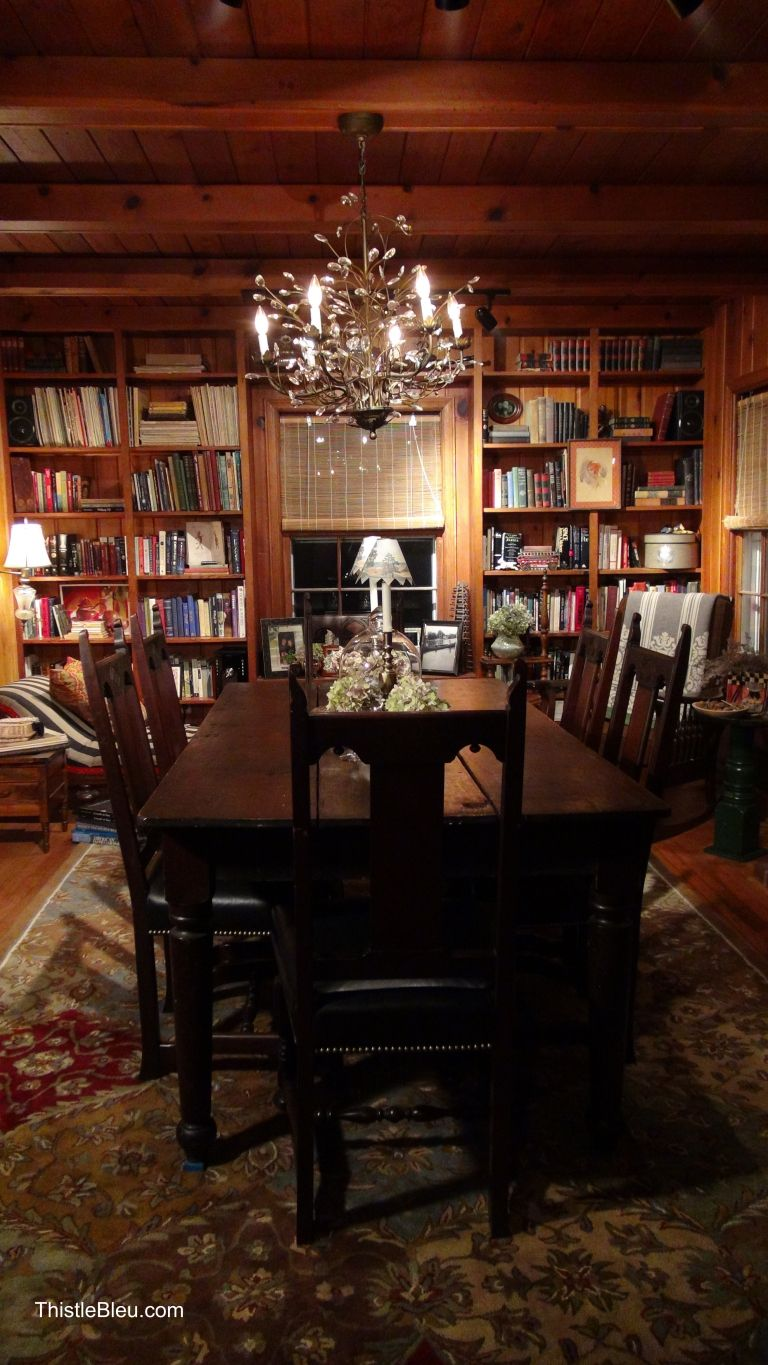 Knotty Pine Rooms: Antique Dining Room Sets