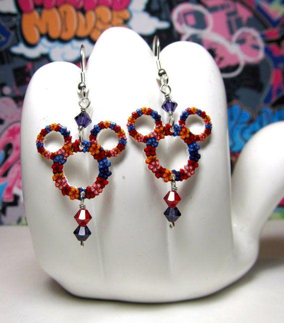 Mickey Mouse Lei Dangle Earrings par HokeyDonut sur Etsy