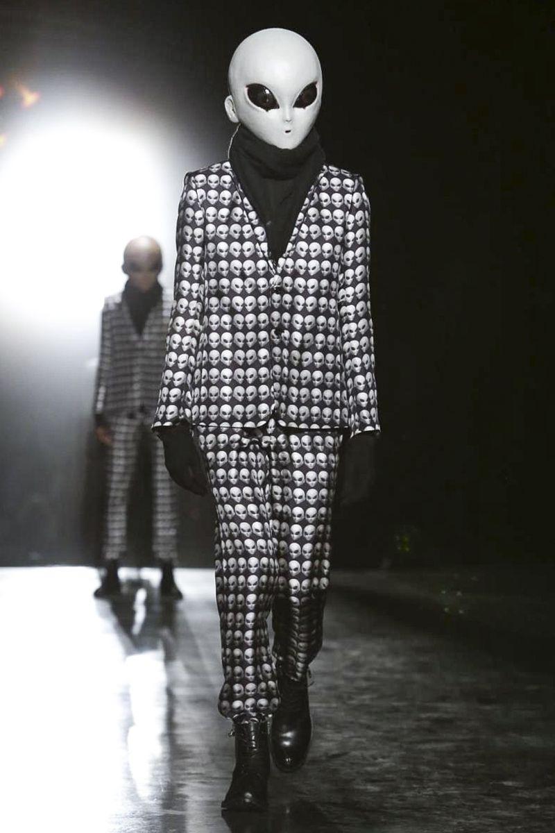 Rynshu Menswear Fall Winter 2015 Paris - NOWFASHION