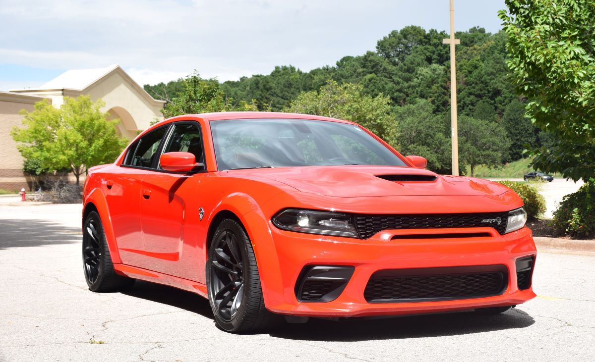 On the Prowl With a 2020 Dodge Charger SRT Hellcat ...
