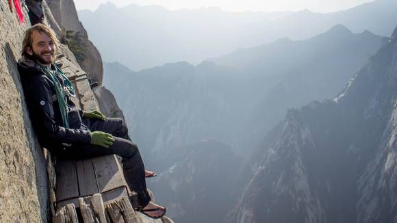 BLOGGER OG FORFATTER: Amerikanske Tynan er eventyrlysten og reiser så mye han kan. Han blogger og skriver bøker om turene sine, og delte et langt innlegg om turen til Hua Shan i november 2012.