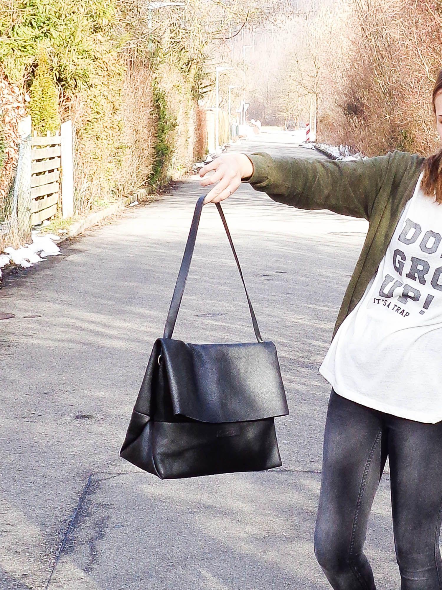 Lederhandtasche à la CÉLINE | Lederhandtaschen, Schwarzer und Nähen