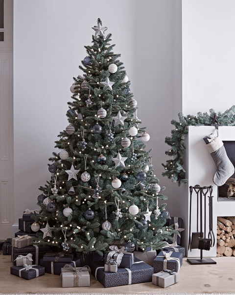 Pre Lit Decorated Christmas Tree Uk In 2020 Cool Christmas Trees Elegant Christmas Trees 8ft Christmas Tree