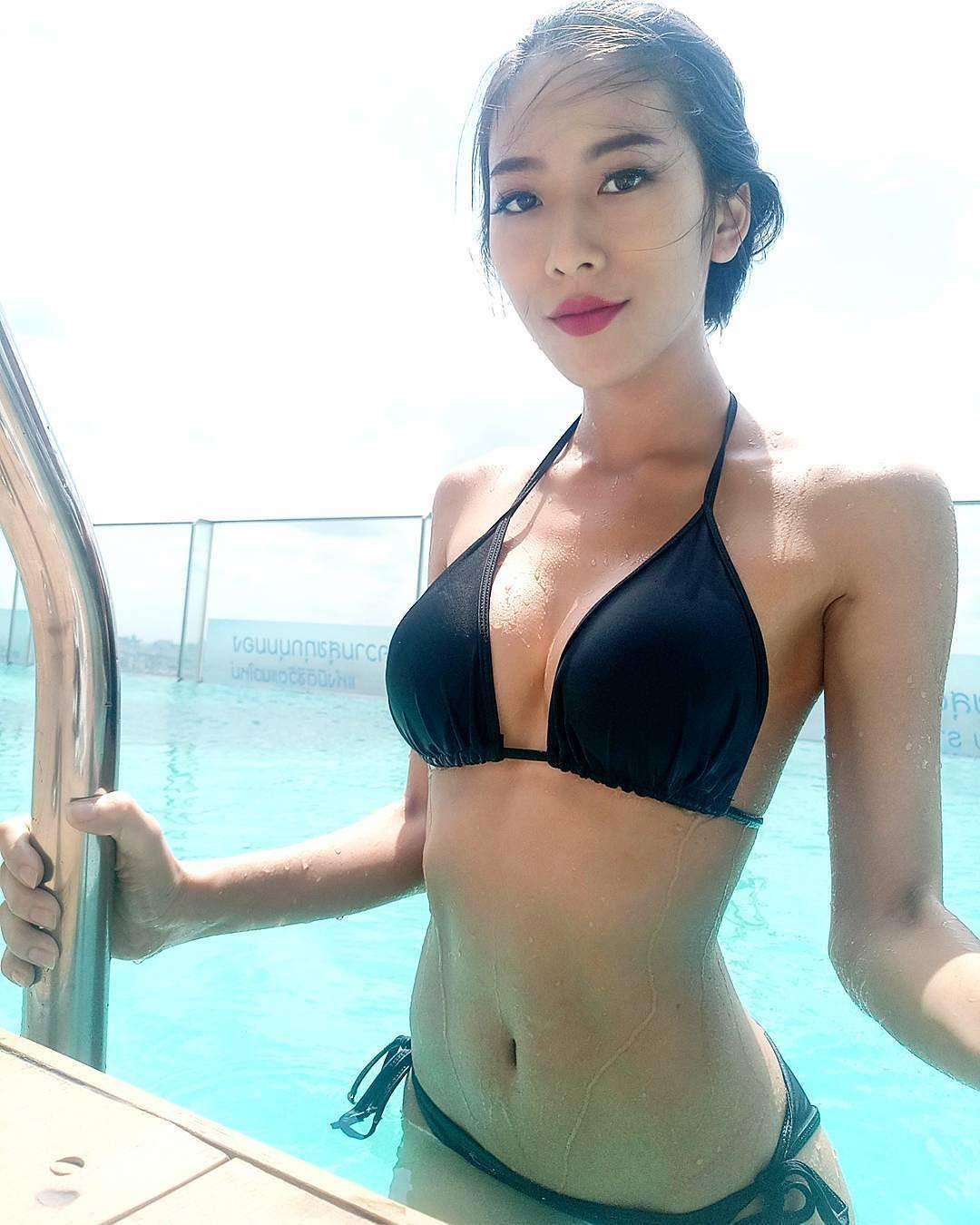 Oriental bikini babe pics