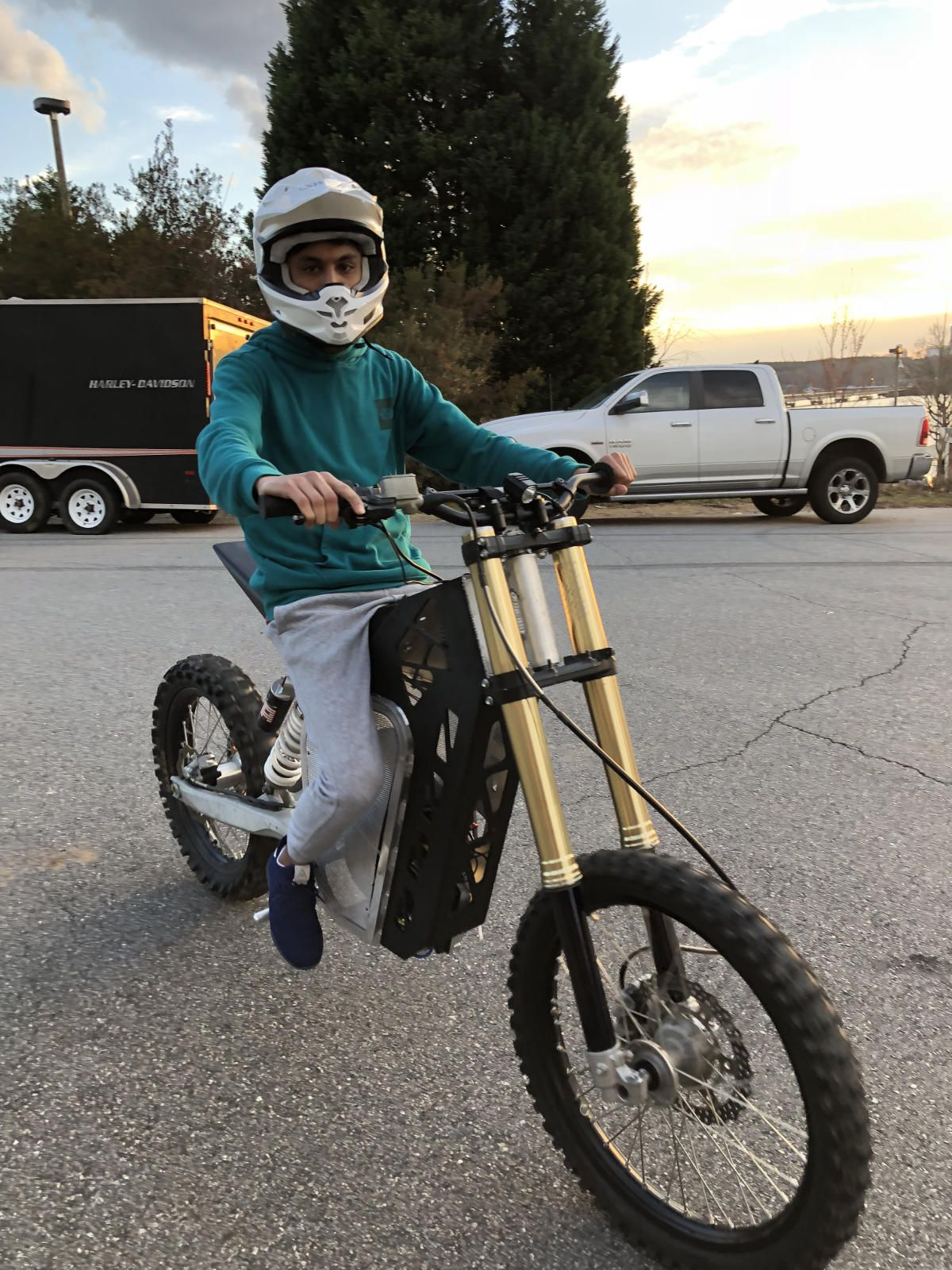 Custom Electric Motorcycle Build By Shan Roy