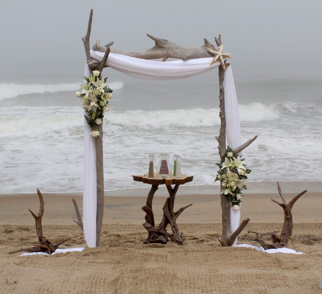 Beach Wedding Altar Decorations: +21 New Ideas Into Beach Wedding Ceremony Decorations