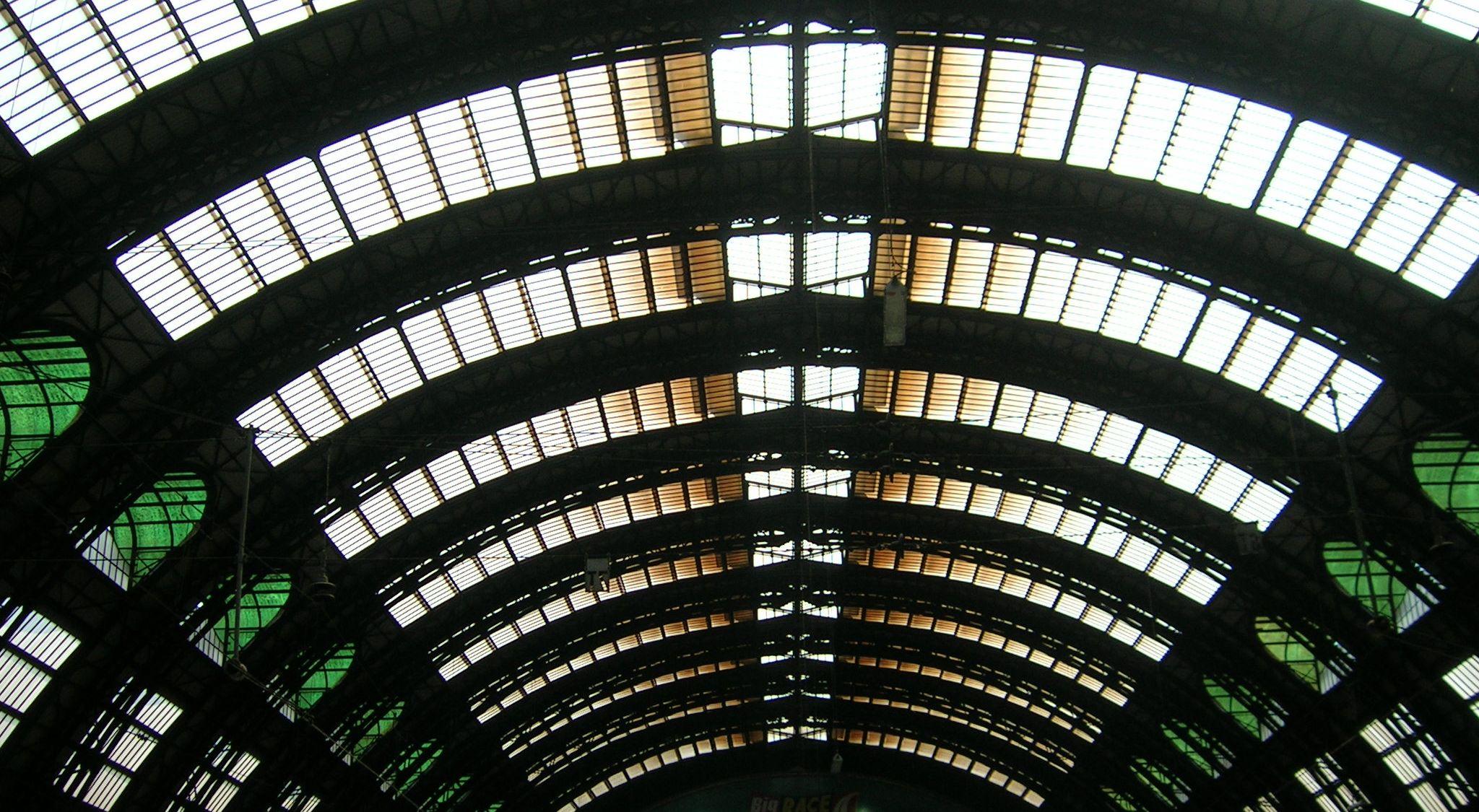Stazione di Milano Centrale, 2005.