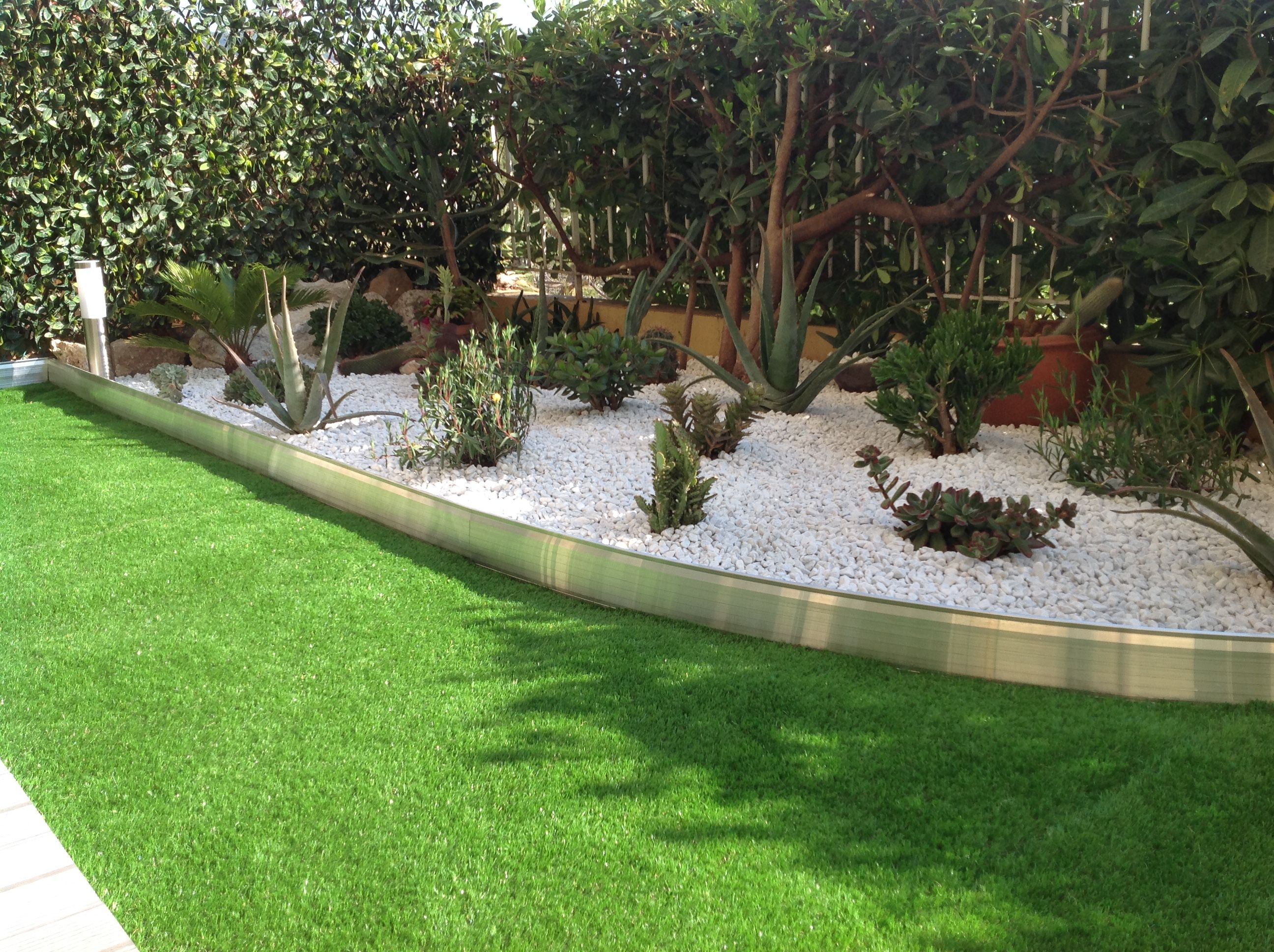 Bordure Terrasse Aluminium | Comment Poser Une Bordure De Jardin ...
