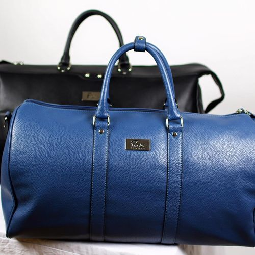 Online Bag Store for Backpacks, Messenger Bags, Duffle Bags, Weekender Bags & Bag Sets