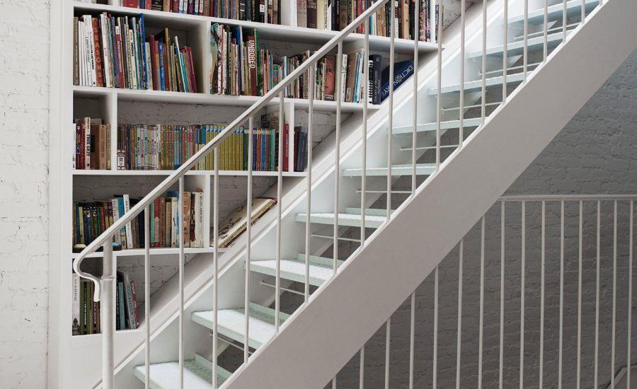 20 Moglichkeiten Um Treppen In Ein Tolles Bucherregal Bibliothek Treppe Ideen Treppen Design