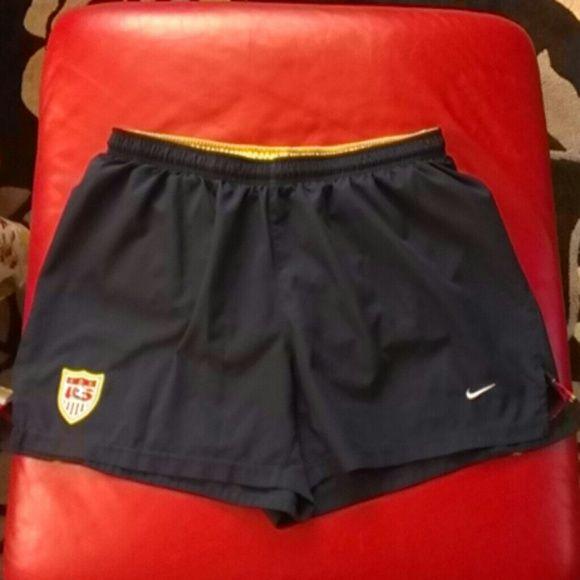 Short Pants Nike Short Pants Nike, 100%polyester, exclusive of decoration, color blue dark. Nike Shorts