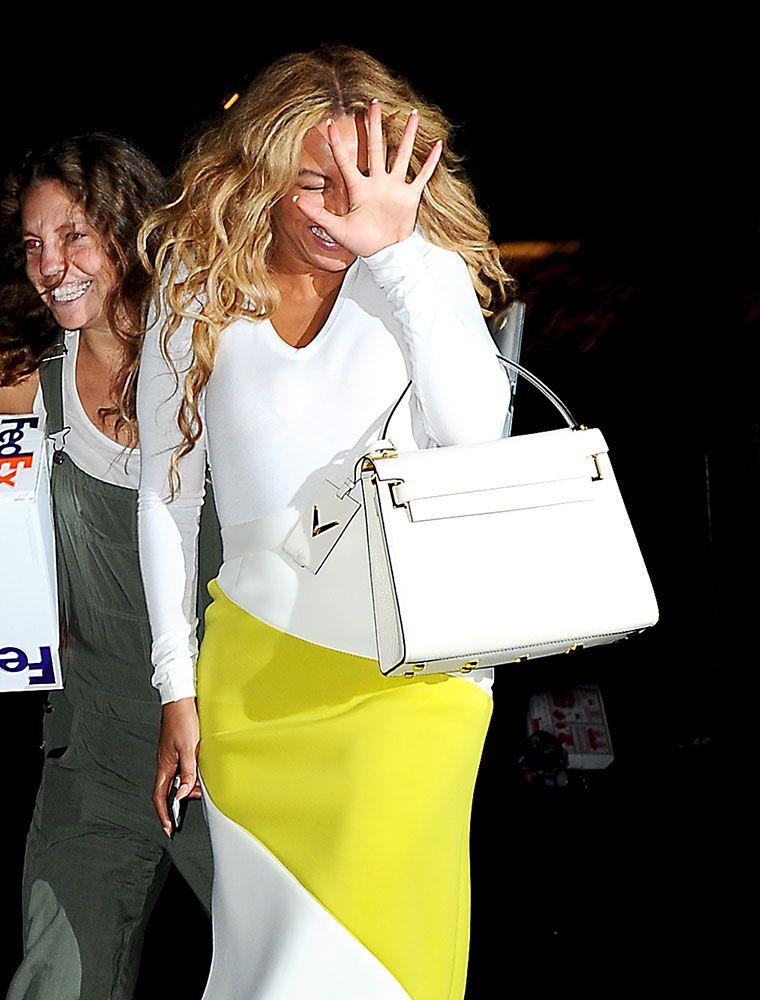 2f0c4dc87ad5de Beyonce-Valentino-My-Rockstud-Bag | // S T Y L E // | Valentino bags ...