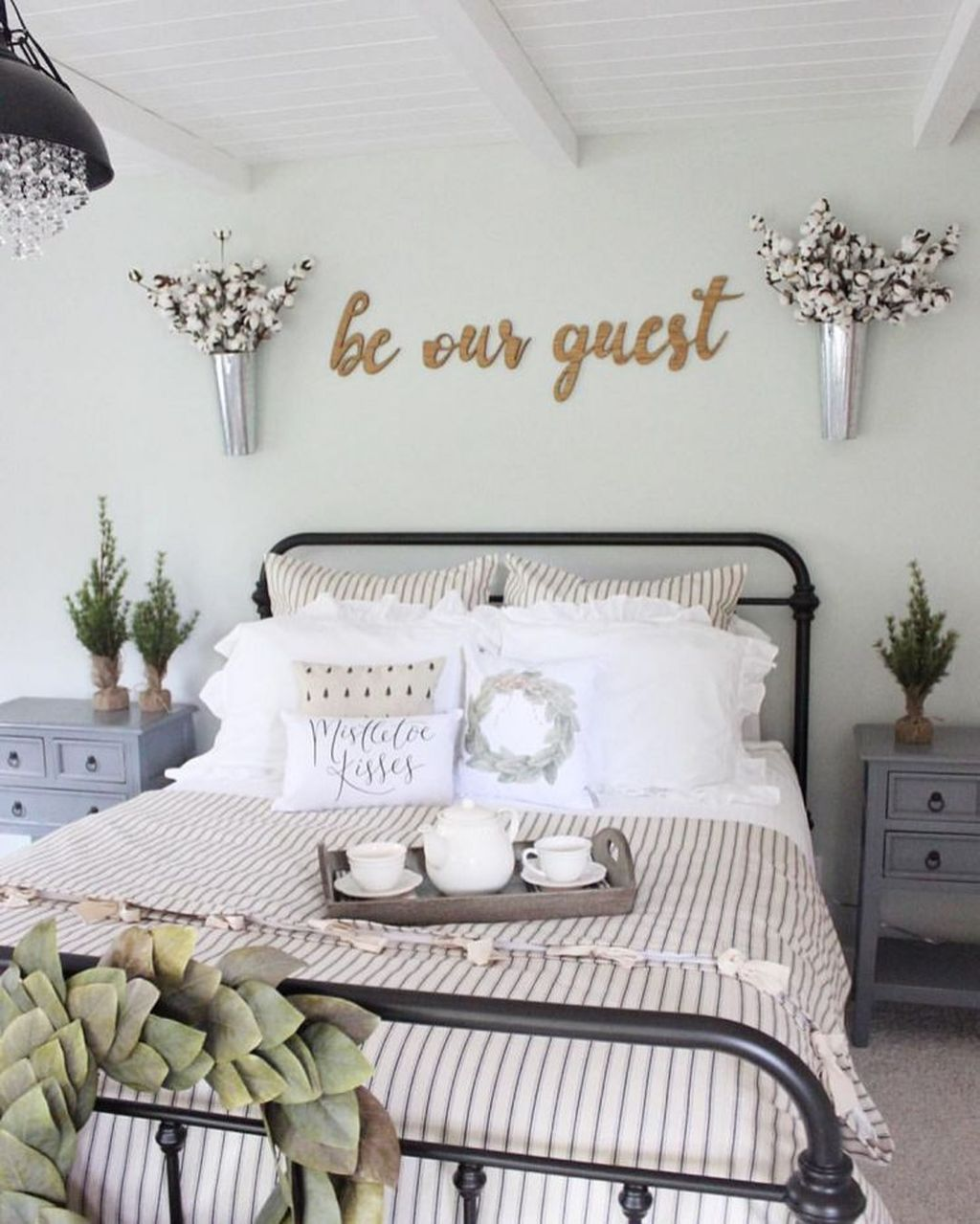 Modern And Cozy Bedroom Decoration Ideas