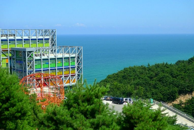 Haslla Art Museum, Jeong-dong-jin, Korea 정동진 하슬라 아트 뮤지엄 야외 공원