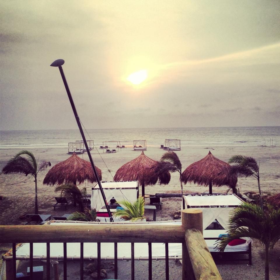 Atardecer en nuestro Club de Playa Karmairi